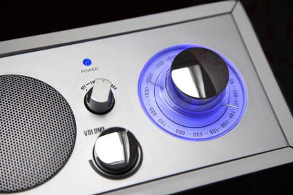 Radio mit Musikwiedergabe und Lautsprecher